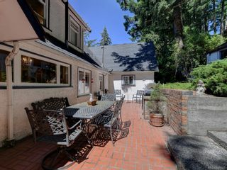 Photo 4: 5213 Pat Bay Hwy in : SE Cordova Bay House for sale (Saanich East)  : MLS®# 845525