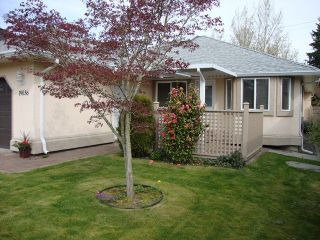 """Photo 4: 19036 64TH Avenue in Surrey: Cloverdale BC House for sale in """"CLAYTON HILL"""" (Cloverdale)  : MLS®# F1409309"""