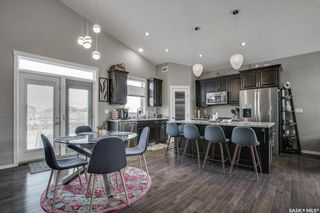 Photo 4: 207 Bentley Court in Saskatoon: Kensington Residential for sale : MLS®# SK863575