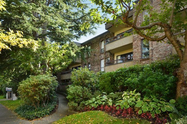 """Main Photo: 108 1266 W 13TH Avenue in Vancouver: Fairview VW Condo for sale in """"LANDMARK SHAUGHNESSY"""" (Vancouver West)  : MLS®# R2002053"""