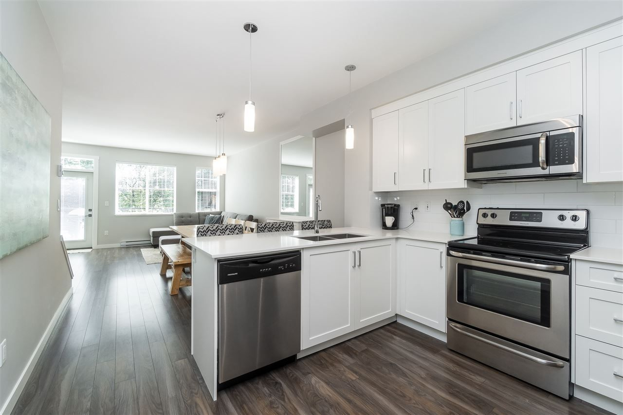 """Photo 5: Photos: 13 2850 MCCALLUM Road in Abbotsford: Central Abbotsford Townhouse for sale in """"Urban Hillside"""" : MLS®# R2478598"""