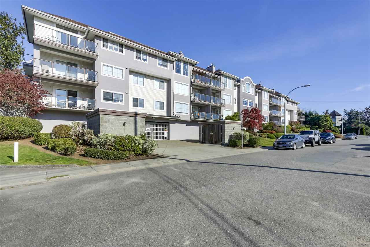 """Main Photo: 105 33599 2ND Avenue in Mission: Mission BC Condo for sale in """"STAVE LAKE LANDING"""" : MLS®# R2315203"""