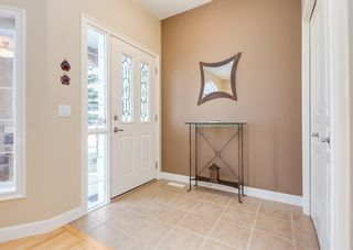 Photo 2: 2013 6 Avenue NW in Calgary: West Hillhurst Semi Detached for sale : MLS®# A1090473