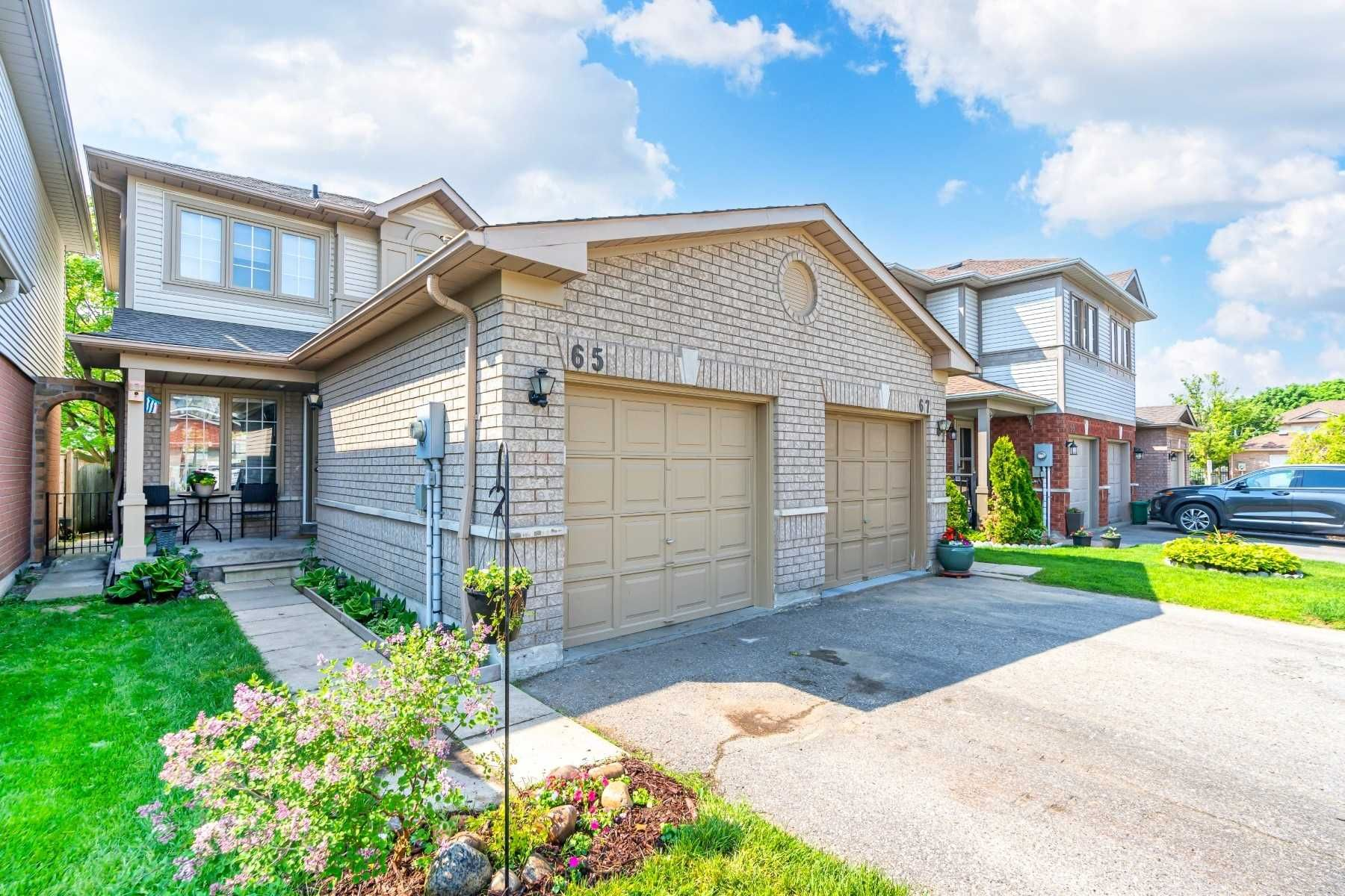 Main Photo: 65 Greengrove Way in Whitby: Rolling Acres Condo for sale : MLS®# E5248297