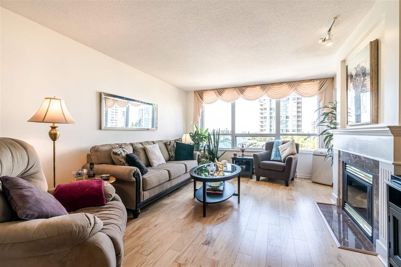 """Main Photo: 701 612 SIXTH Street in New Westminster: Uptown NW Condo for sale in """"THE WOODWARD"""" : MLS®# R2390390"""