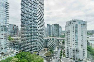 """Photo 2: 2002 1500 HORNBY Street in Vancouver: Yaletown Condo for sale in """"888 BEACH"""" (Vancouver West)  : MLS®# R2461920"""