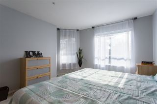 """Photo 13: 304 5450 208 Street in Langley: Langley City Condo for sale in """"Montgomery Gate"""" : MLS®# R2410335"""