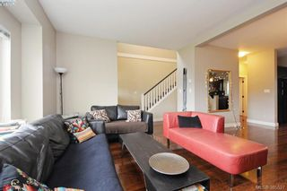Photo 3: 1278 PARKDALE CREEK Gdns in VICTORIA: La Westhills House for sale (Langford)  : MLS®# 774710
