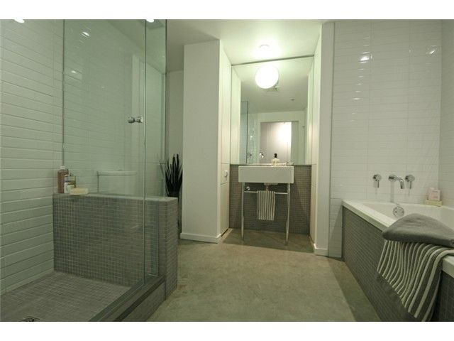 """Photo 10: Photos: 106 388 W 1ST Avenue in Vancouver: False Creek Condo for sale in """"The Exchange"""" (Vancouver West)  : MLS®# V1115202"""