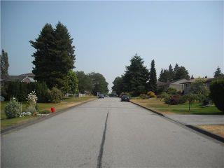 Photo 2: 6744 BURNS Street in Burnaby: Upper Deer Lake House for sale (Burnaby South)  : MLS®# V844970