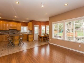 Photo 7: 15539 78A Avenue in Surrey: Fleetwood Tynehead House for sale : MLS®# R2009441
