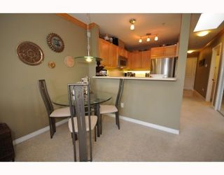 """Photo 3: 409-2929 West 4th Avenue in Vancouver: Kitsilano Condo for sale in """"The Madison"""" (Vancouver West)  : MLS®# V806678"""