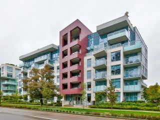 """Photo 1: 106 5033 CAMBIE Street in Vancouver: Cambie Condo for sale in """"35 PARK WEST"""" (Vancouver West)  : MLS®# R2621490"""