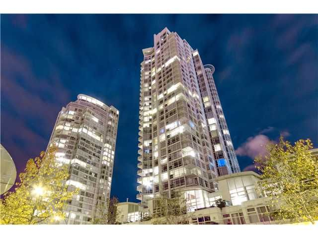 """Main Photo: # 3002 1199 MARINASIDE CR in Vancouver: Yaletown Condo for sale in """"Aquarius Mews"""" (Vancouver West)  : MLS®# V1029094"""