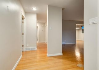 Photo 3: 23 CAMBRIAN Drive NW in Calgary: Rosemont Detached for sale : MLS®# A1120711