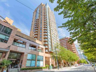 """Photo 1: 2403 1189 HOWE Street in Vancouver: Downtown VW Condo for sale in """"The Genesis"""" (Vancouver West)  : MLS®# R2592204"""