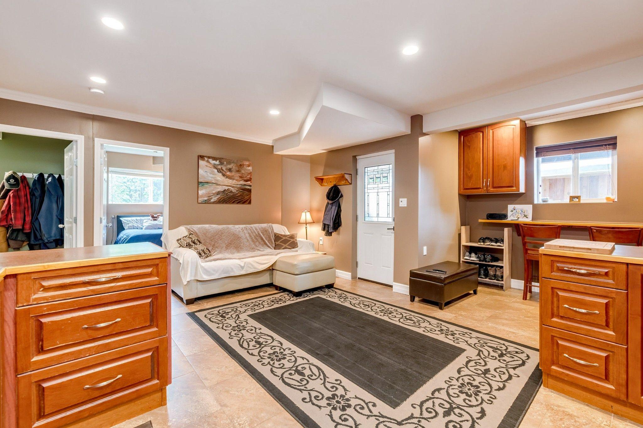 Photo 16: Photos:  in : Southwest Maple Ridge House for sale (Maple Ridge)  : MLS®# R2455980