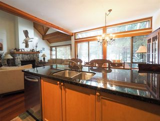 Photo 8: 4614 MONTEBELLO Place in Whistler: Whistler Village Townhouse for sale : MLS®# R2528597