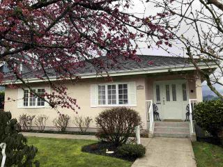 "Photo 2: 3913 TRINITY Street in Burnaby: Vancouver Heights House for sale in ""Vancouver Heights"" (Burnaby North)  : MLS®# R2443031"