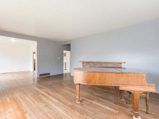 """Photo 16: 4545 W 6TH Avenue in Vancouver: Point Grey House for sale in """"Point Grey"""" (Vancouver West)  : MLS®# R2575660"""
