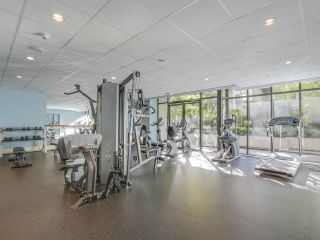"""Photo 15: 306 2959 GLEN Drive in Coquitlam: North Coquitlam Condo for sale in """"THE PARC"""" : MLS®# R2111065"""