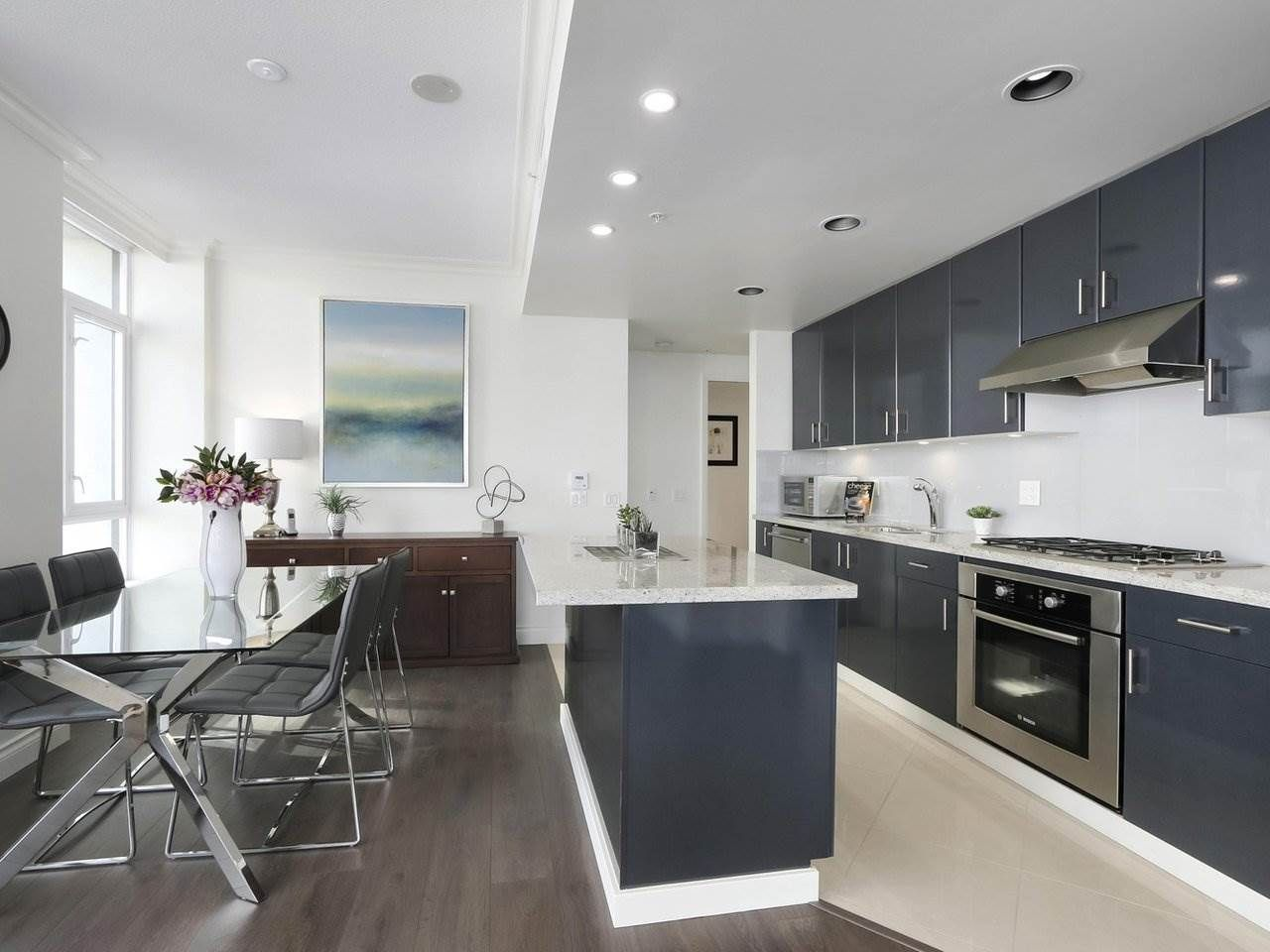 """Photo 8: Photos: 608 172 VICTORY SHIP Way in North Vancouver: Lower Lonsdale Condo for sale in """"Atrium at the Pier"""" : MLS®# R2454404"""