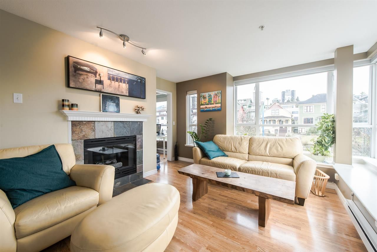 """Main Photo: 312 155 E 3RD Street in North Vancouver: Lower Lonsdale Condo for sale in """"The Solano"""" : MLS®# R2040502"""
