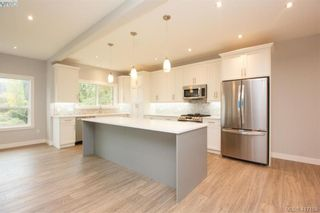 Photo 11: 1037 Sandalwood Crt in VICTORIA: La Luxton House for sale (Langford)  : MLS®# 827604