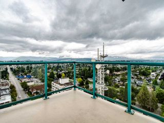 """Photo 22: 2003 612 SIXTH Street in New Westminster: Uptown NW Condo for sale in """"WOODWARD"""" : MLS®# R2472941"""