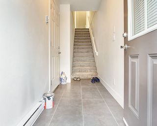 Photo 5: 76 6299 144 Street in Surrey: Sullivan Station Townhouse for sale : MLS®# R2530946