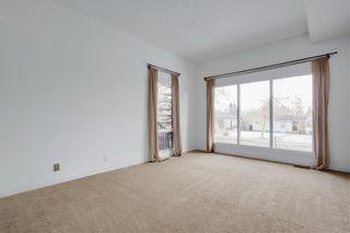 Photo 4: 3115 43 Street SW in Calgary: Glenbrook Detached for sale : MLS®# C4222106