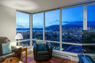 "Photo 8: 802 2483 SPRUCE Street in Vancouver: Fairview VW Condo for sale in ""Skyline"" (Vancouver West)  : MLS®# R2151780"