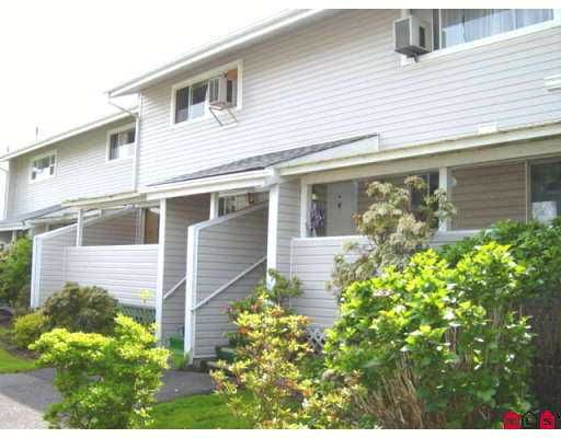 Main Photo: 9 45215 WOLFE RD in Chilliwack: Chilliwack  W Young-Well Townhouse for sale : MLS®# H2601718