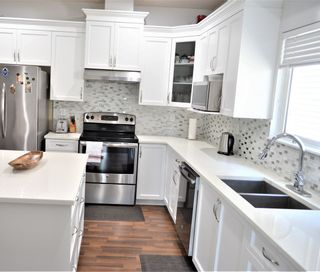 Photo 5: 5970 165 Street in Surrey: Cloverdale BC House for sale (Cloverdale)  : MLS®# R2428092