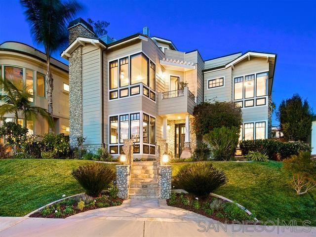 Main Photo: LA JOLLA House for sale : 5 bedrooms : 5531 Taft Ave