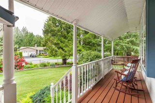 """Photo 2: 4548 SOUTHRIDGE Crescent in Langley: Murrayville House for sale in """"Murrayville"""" : MLS®# R2375830"""