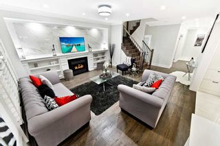 Photo 4: 111 Nahani Way in Mississauga: Hurontario House (2-Storey) for sale : MLS®# W4422765