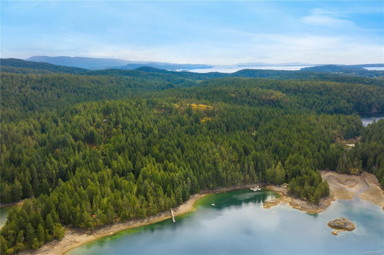 Photo 8: Photos: 979 Thunder Rd in : Isl Cortes Island House for sale (Islands)  : MLS®# 878691