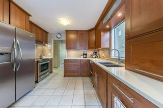Photo 7: 5767 MAYVIEW Circle in Burnaby: Burnaby Lake Townhouse for sale (Burnaby South)  : MLS®# R2453686