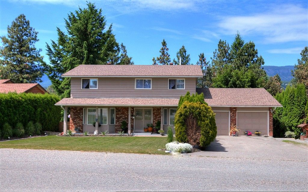 Main Photo: 2122 Michelle Court in West Kelowna: Lakeview Heights House for sale (Central Okanagan)  : MLS®# 10136096