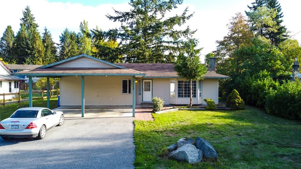 Great location for this 3 bedroom home in the downtown area of Sechelt