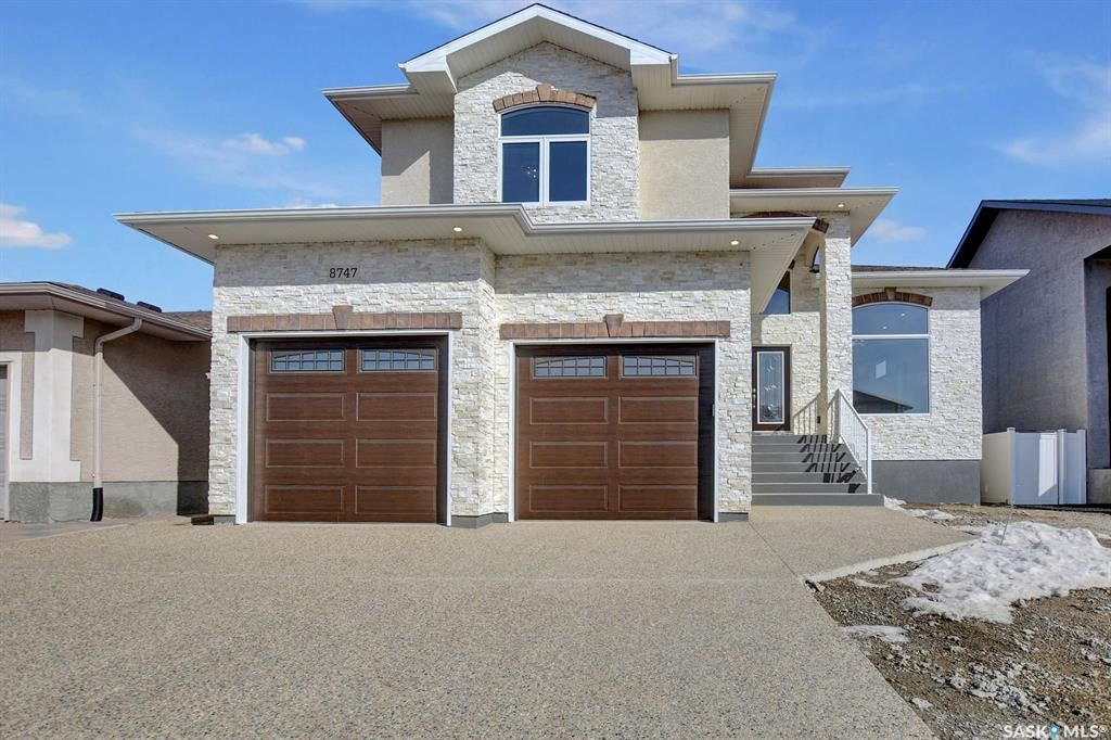 Main Photo: 8747 Wascana Gardens Place in Regina: Wascana View Residential for sale : MLS®# SK848760