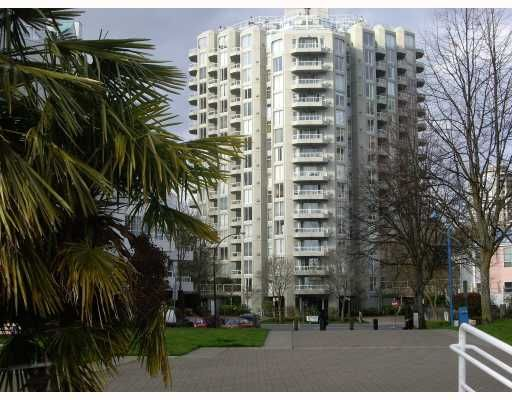 """Main Photo: 1204 1135 QUAYSIDE Drive in New Westminster: Quay Condo for sale in """"ANCHOR POINTE"""" : MLS®# V796798"""