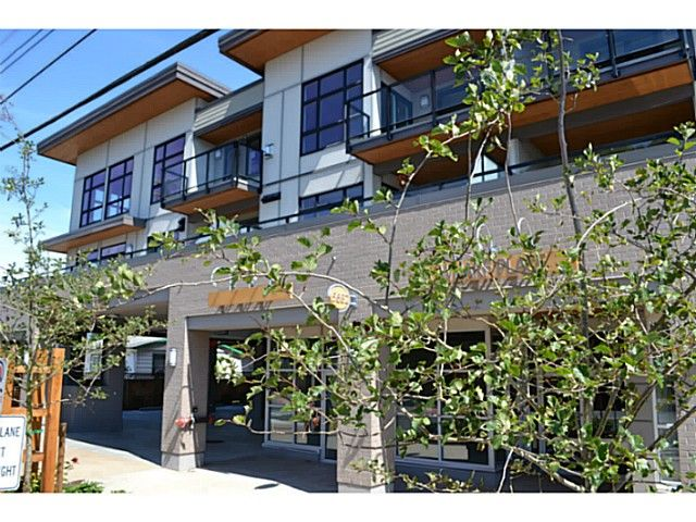 Main Photo: # 202 5682 WHARF AV in Sechelt: Sechelt District Condo for sale (Sunshine Coast)  : MLS®# V1088303