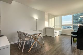 """Photo 8: 905 112 E 13TH Street in North Vancouver: Central Lonsdale Condo for sale in """"CENTREVIEW"""" : MLS®# R2566516"""