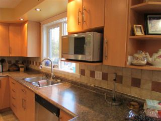"""Photo 3: 13737 283 Road: Charlie Lake House for sale in """"CHARLIE LAKE - CAMPBELL ROAD"""" (Fort St. John (Zone 60))  : MLS®# R2113422"""