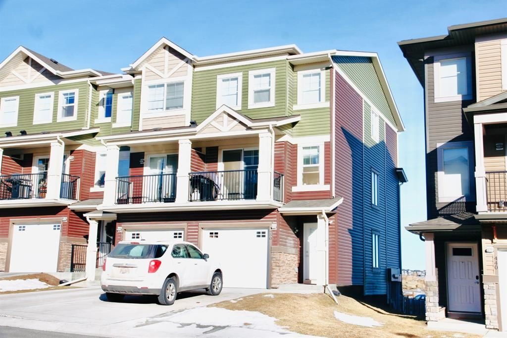 Main Photo: 450 Sage Hill Grove NW in Calgary: Sage Hill Row/Townhouse for sale : MLS®# A1061180