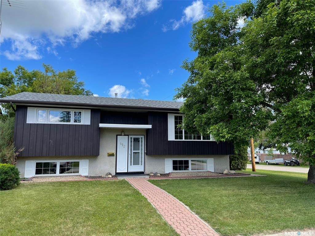 Main Photo: 412 1st Avenue East in Shellbrook: Residential for sale : MLS®# SK860863