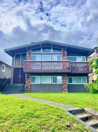 Photo 1: 2489 HARRISON Drive in Vancouver: Fraserview VE House for sale (Vancouver East)  : MLS®# R2474391