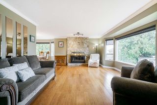 """Photo 7: 5749 189A Street in Surrey: Cloverdale BC House for sale in """"FAIRWAY ESTATES"""" (Cloverdale)  : MLS®# R2545304"""